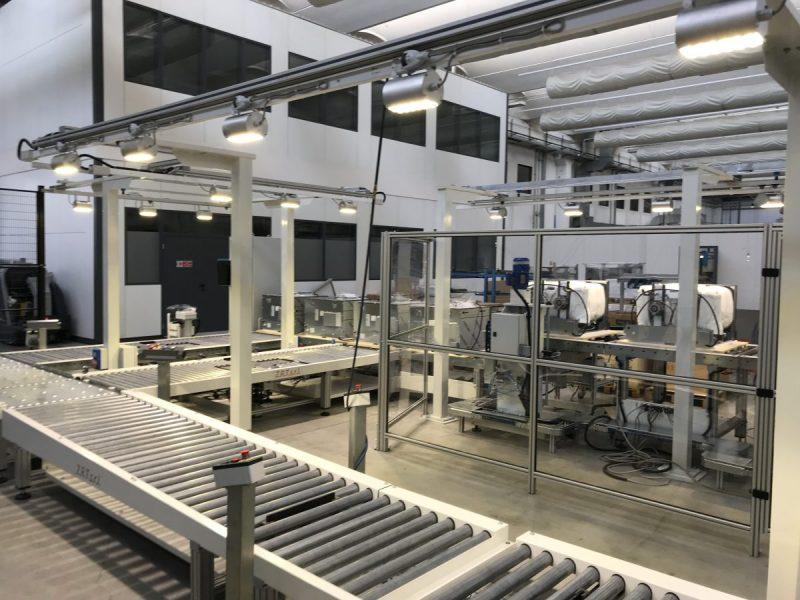 Plafoniere Industriali : Lampade per capannoni industriali fari e plafoniere a led rock